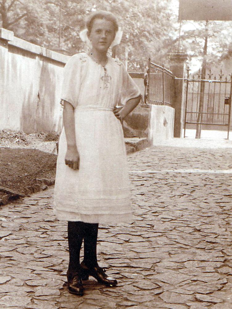 Jugendweihe Uroma Erna 1922, Foto: privat